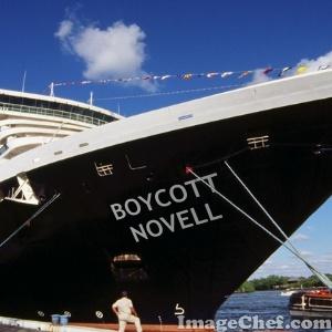 novell-boat