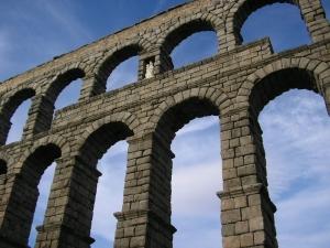 An aqueduct