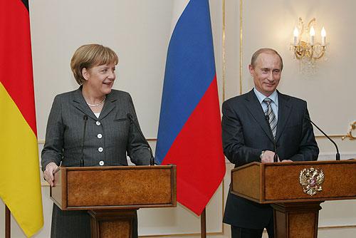 Vladimir Putin and Merkel