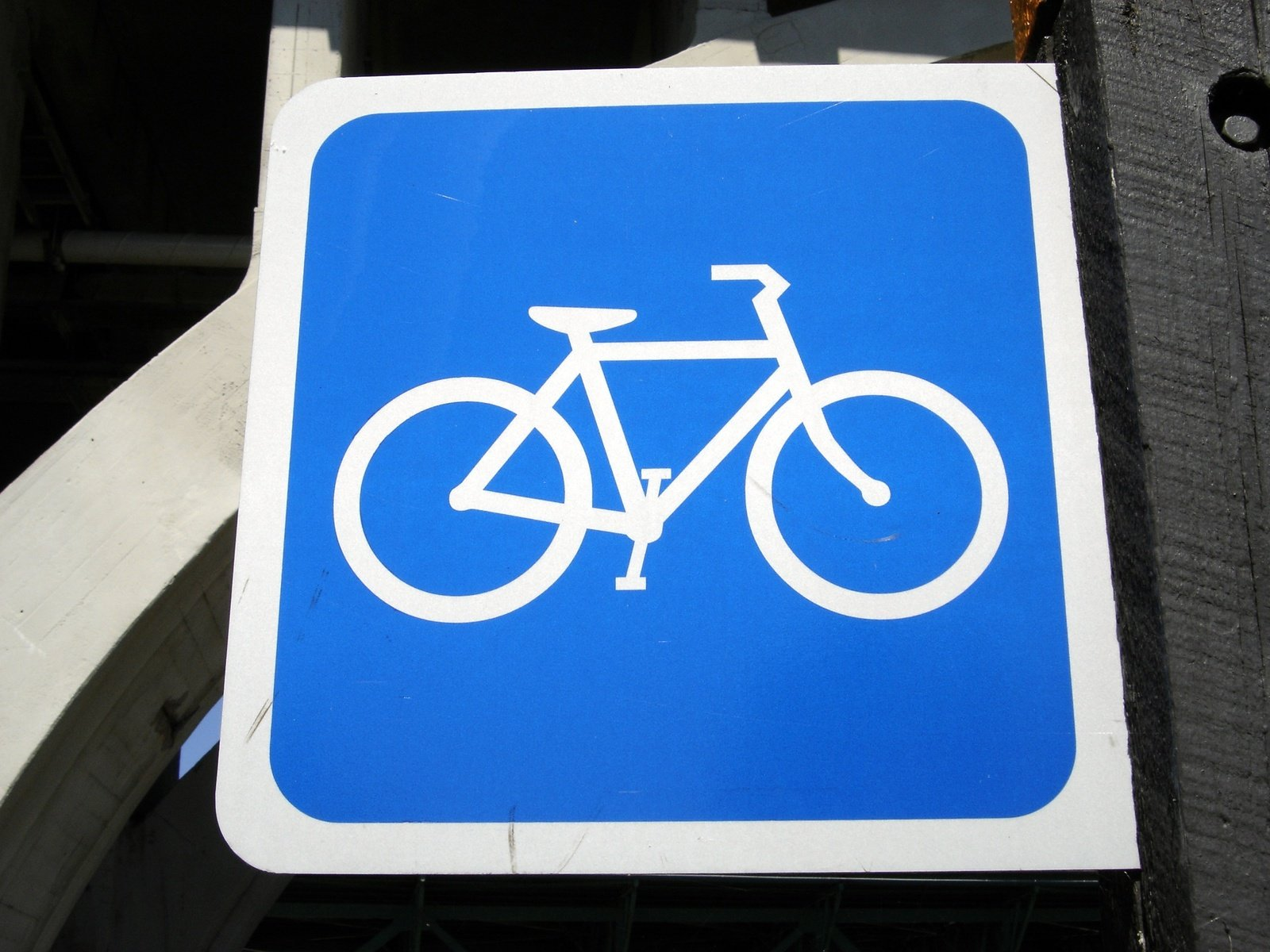 A sign with bicycles