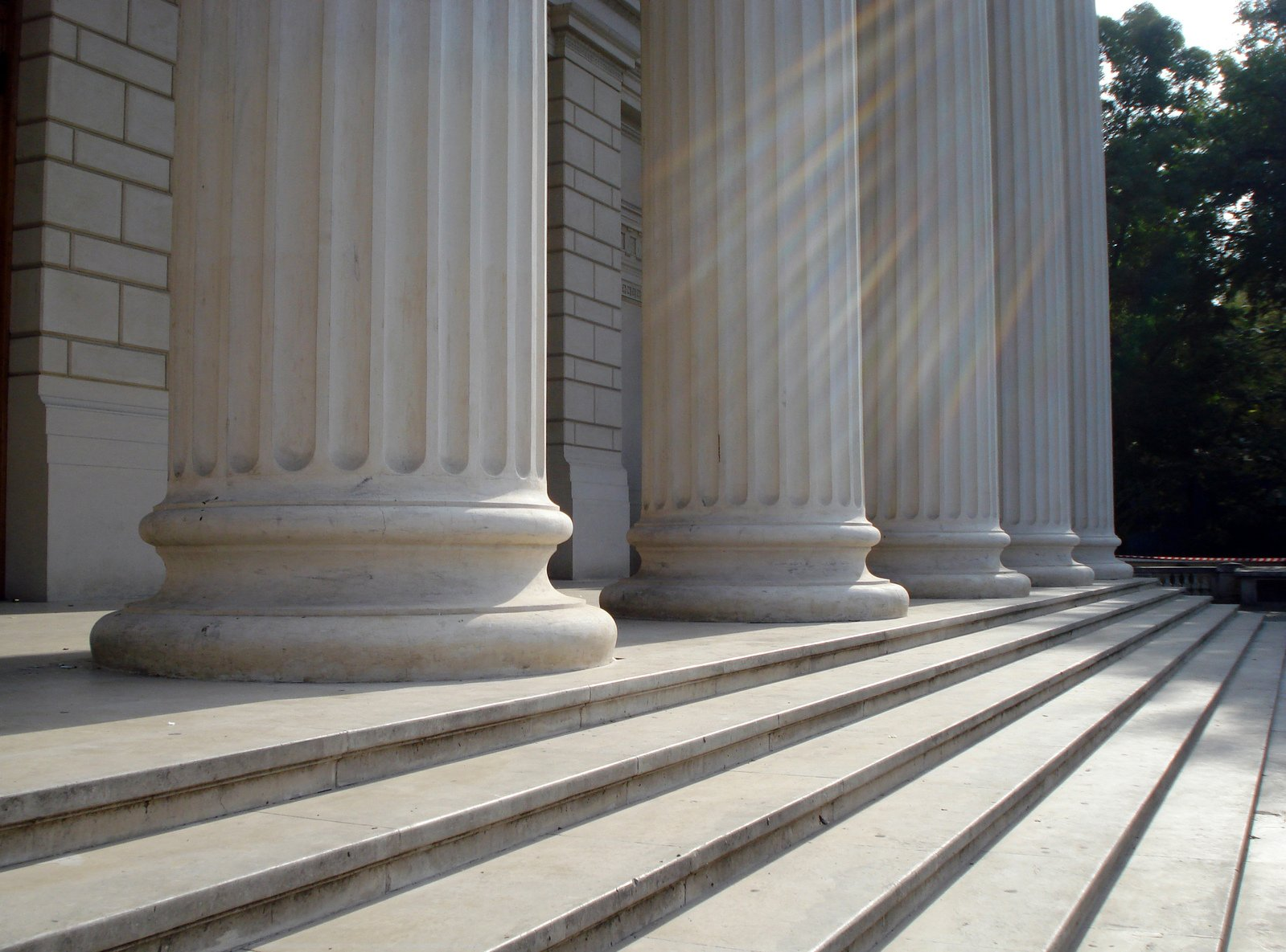 5 marble columns