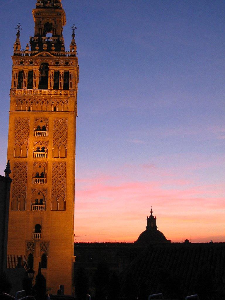 Sevilla at night