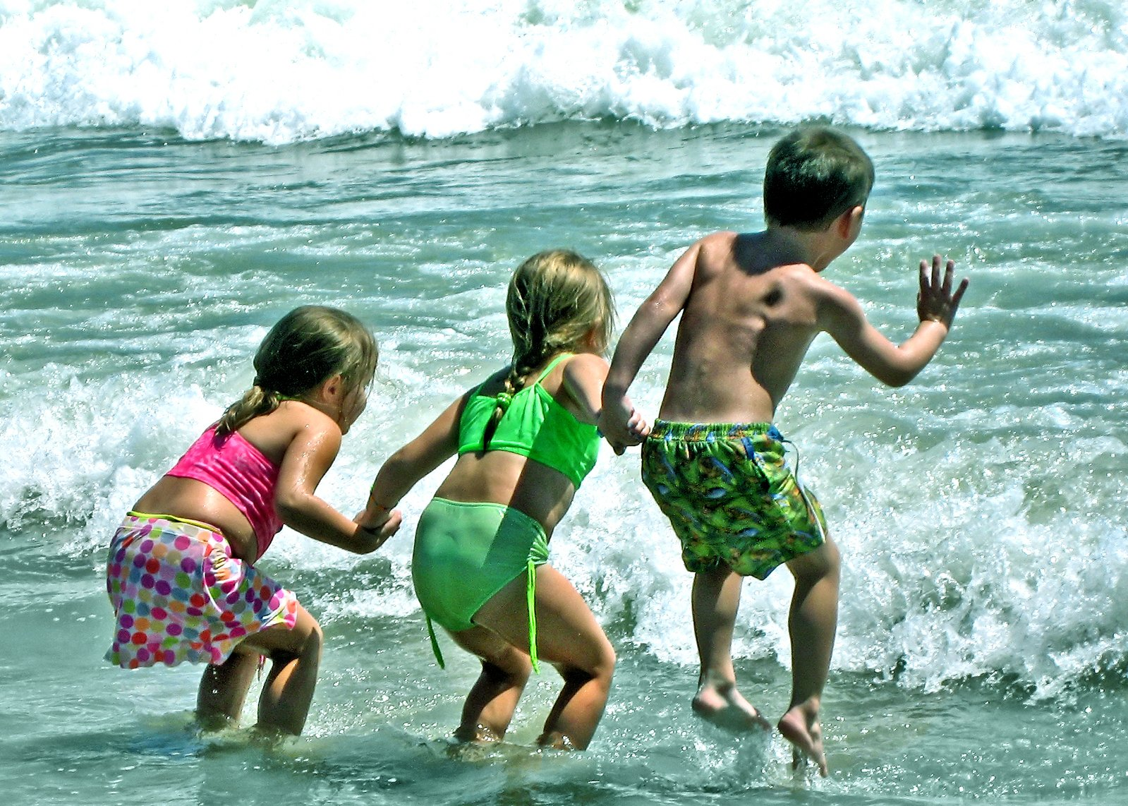 Wave and kids