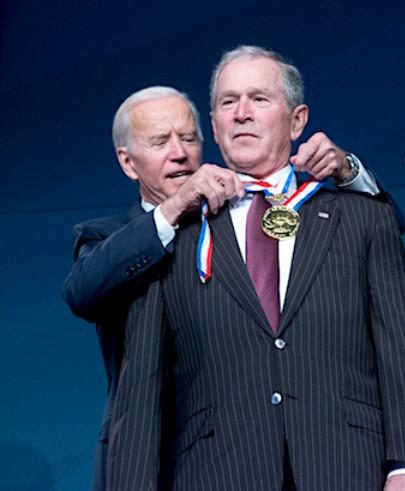 Biden and Bush medal