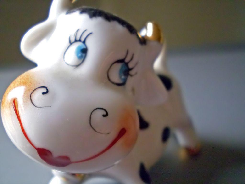 2 fake cow