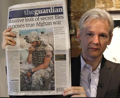 Assange on war