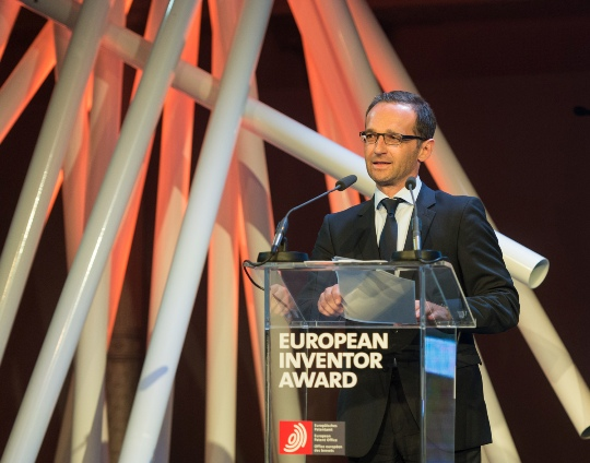 Heiko Maas as guest of honour at the 2014 EPO Inventor of the Year Boondoggle in Berlin.