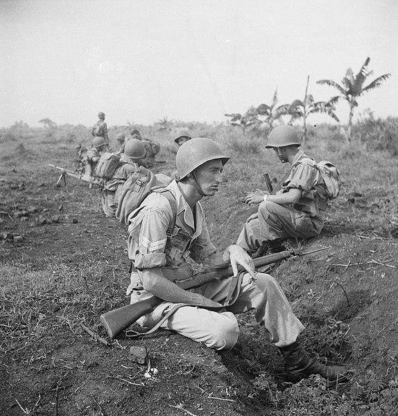 Een sectie militairen tijdens een rustpauze, Bestanddeelnr